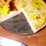 Omas Käsekuchen frisch angeschnitten