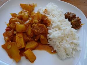 Zucchini Vindaloo mit Basmati-Reis und Achar!