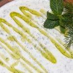 Und mit Olivenöl und Kräutern garnieren.