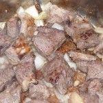 Rinderragout - Fleisch und Zwiebeln