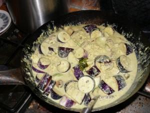 veganes Auberginen-Tofu-Curry